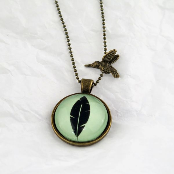 Medaillon-Halskette Feder / grün