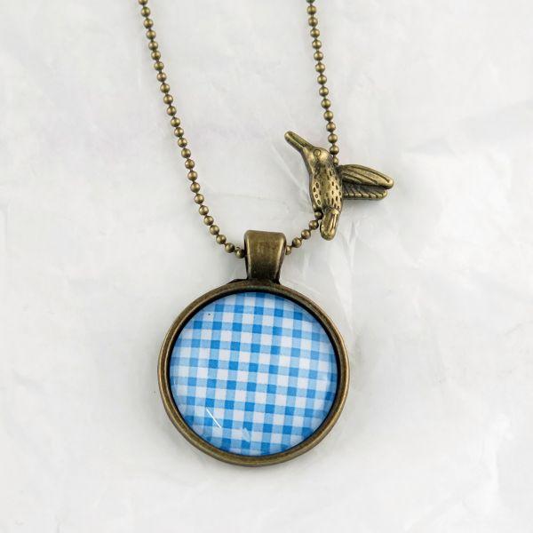 Medaillon-Halskette Karo blau-weiss